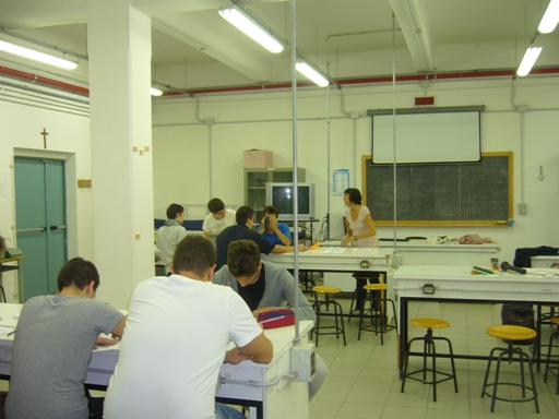 Laboratorio fisica sede.JPG